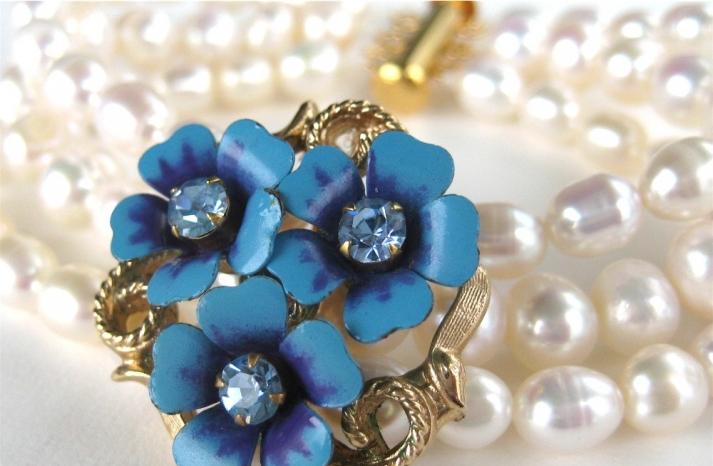 pearl wedding bracelet with something blue