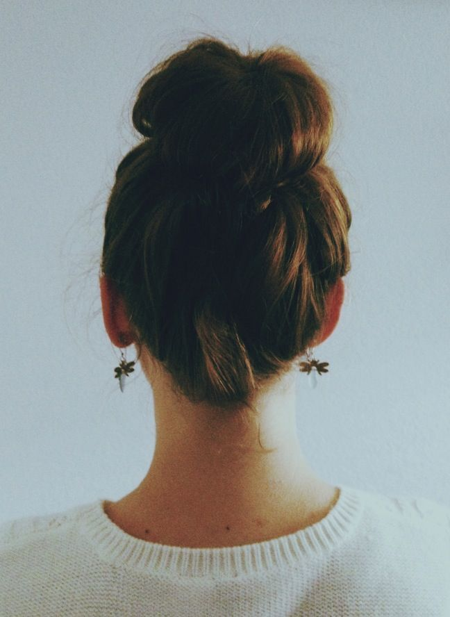 Top Knot Romantic Wedding Hairstyle 7