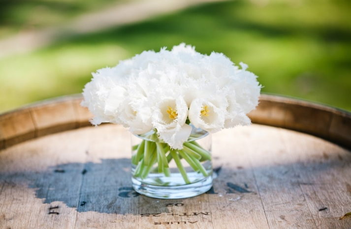 simple ivory wedding centerpiece