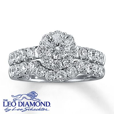 Leo Diamond Wedding Band
