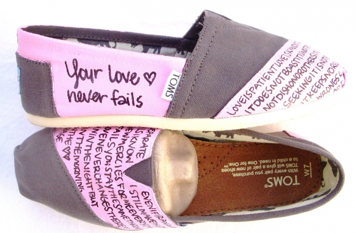 Thoughtful TOMS for MOB mothers day gift