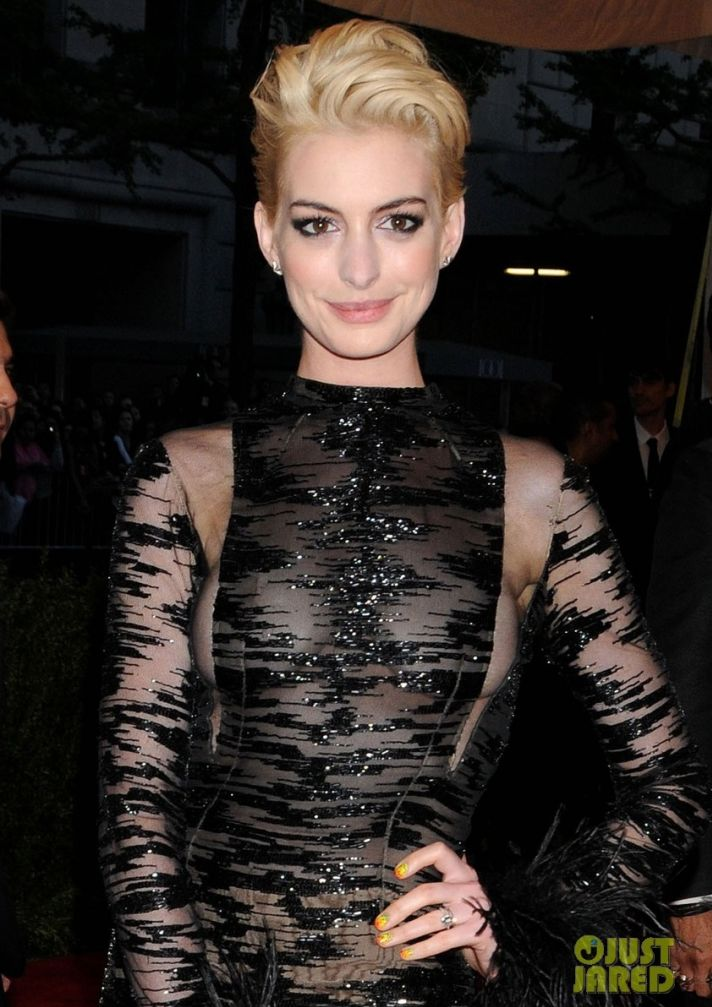 Met Ball 2013 wedding hair makeup dos and donts Anne Hathaway