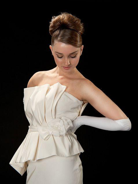 Custom wedding dress by Anna Neiman Juliet