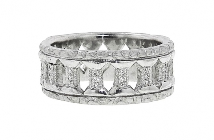 Vintage inspired double column platinum and diamond wedding band