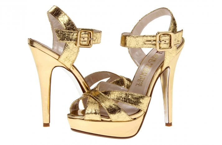 Glamorous gold wedding shoes E Live from the Red Carpet