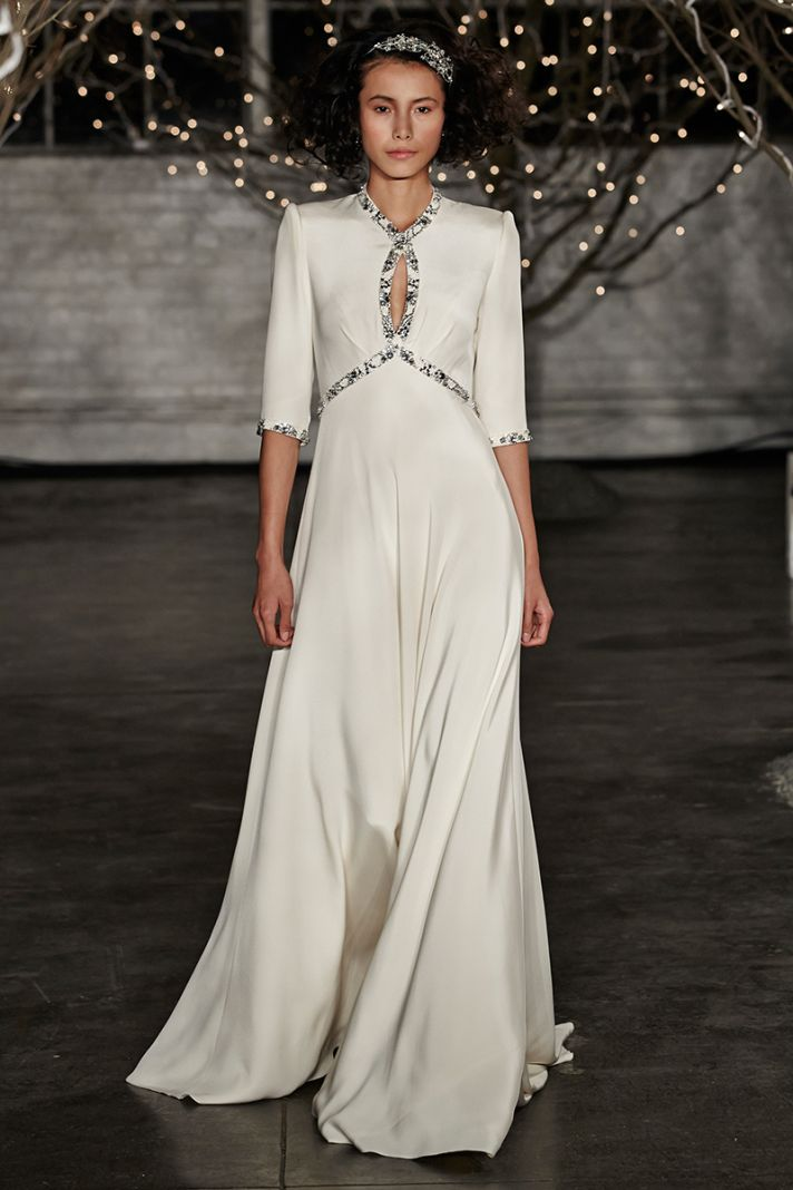 10 trends from the bridal runway for Old hollywood wedding dress