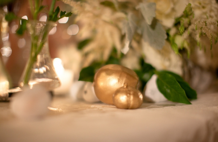 gold foil pumpkins for fall wedding tablescape