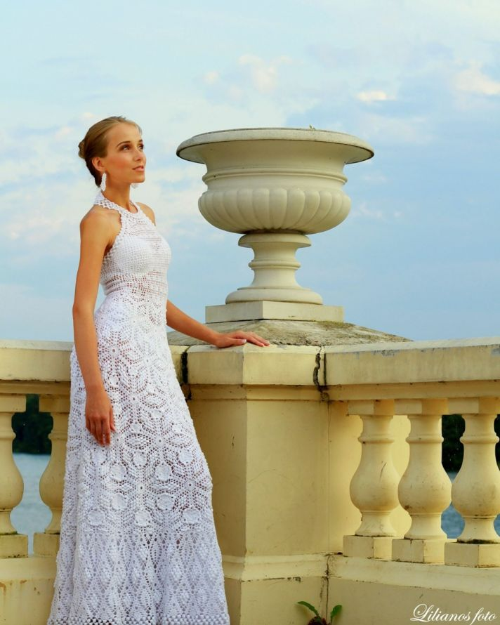 Crocheted Wedding Gown: The Crocheted Wedding Dress