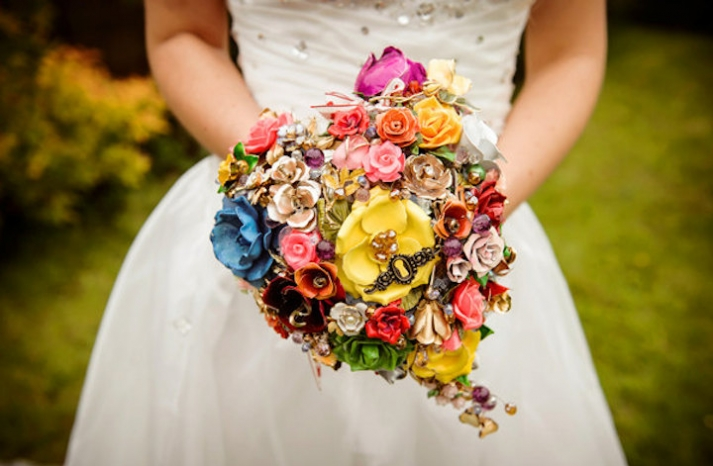 heart shaped bridal brooch bouquet