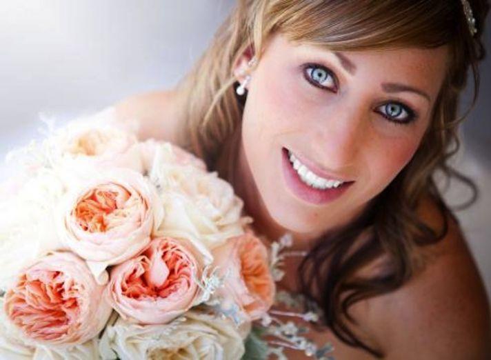 Bridal makeup and a gorgeous bouquet