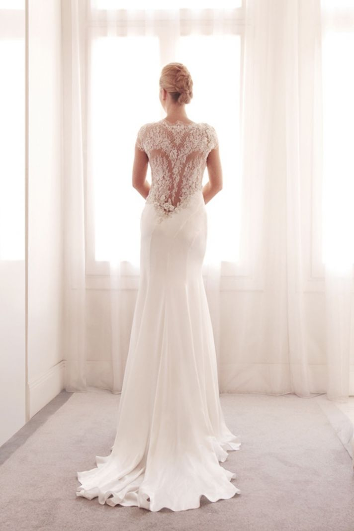 Glamorous wedding gown by Gemy Bridal
