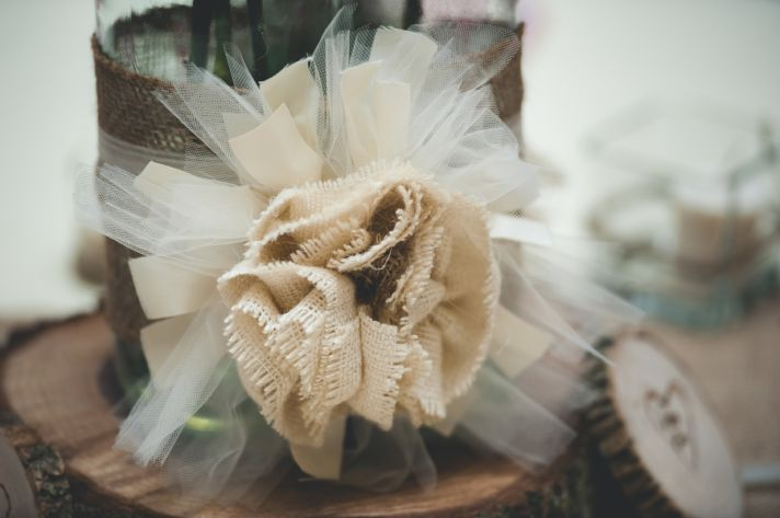 Beautiful Burlap Bow for Centerpiece