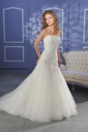 Bonny Bridal Gowns on Bonny Bridal Wedding Dress Style 016 Dress   Onewed